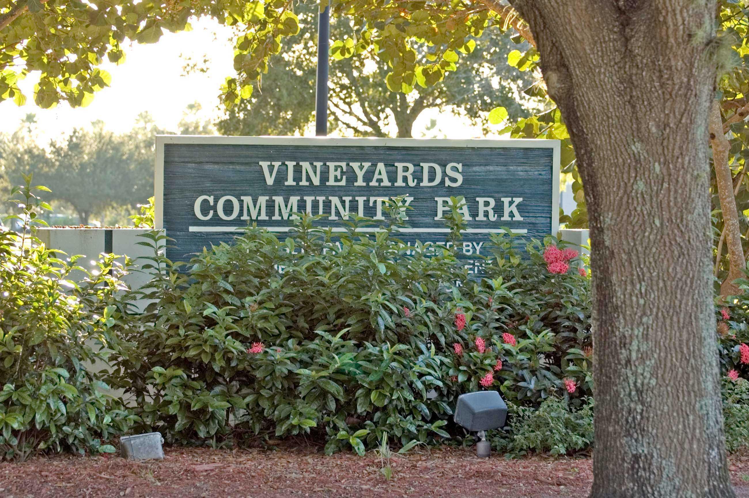 Vineyards Park Sign 1